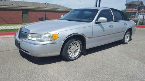 1999 Lincoln Town Car For Sale In Milan Tn Carsforsale Com