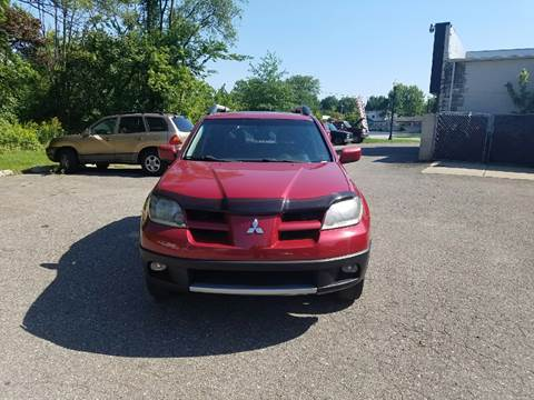 2003 Mitsubishi Outlander for sale at People's Choice Auto Sales in Taylor MI