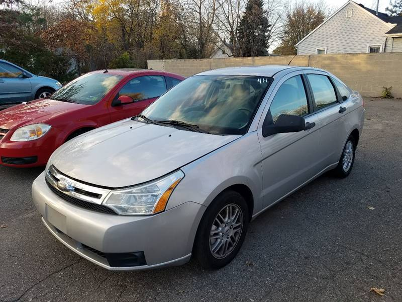 2009 Ford Focus SE 4dr Sedan - Taylor MI