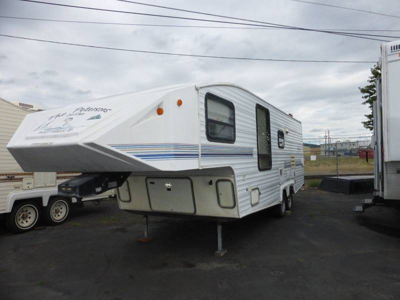1996 SHADOW CRUISER FIFTH WHEEL 27 FOOT FRONT BR REAR BATH white aluminum sided fw  no slides