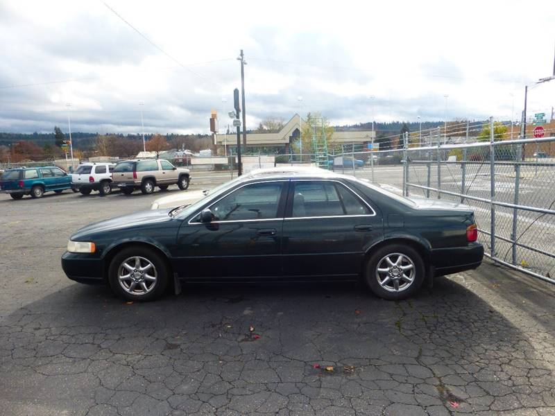 1998 CADILLAC SEVILLE STS 4DR SEDAN green low mileage    inexpensive luxury car     front a