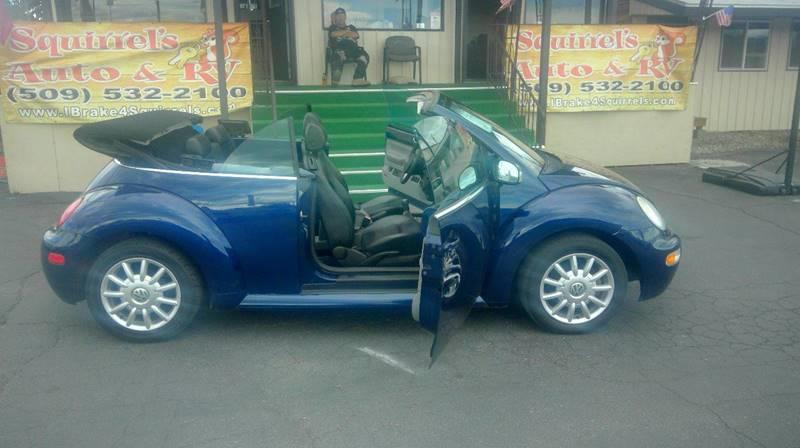 2004 VOLKSWAGEN NEW BEETLE GLS 2DR CONVERTIBLE blue low milage 5-speed convertible leather fr