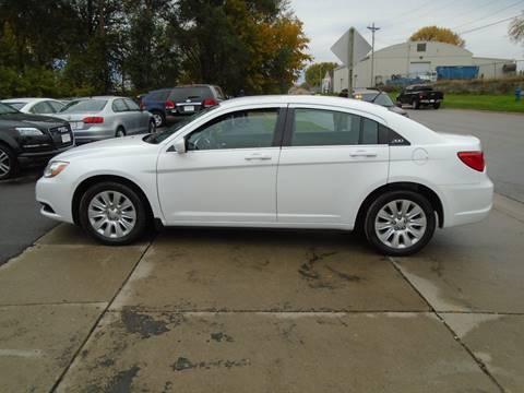 2014 Chrysler 200 for sale in Waterloo, IA