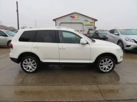 2009 Volkswagen Touareg 2 for sale at Jefferson St Motors in Waterloo IA