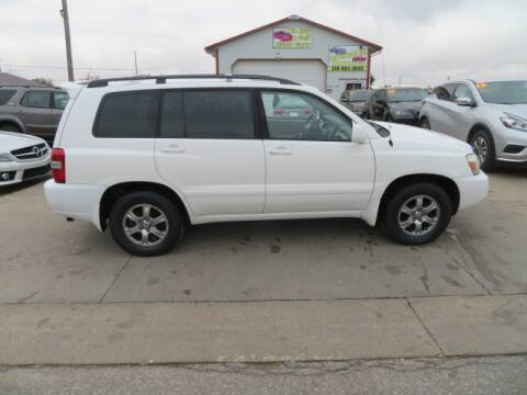 2006 Toyota Highlander for sale at Jefferson St Motors in Waterloo IA