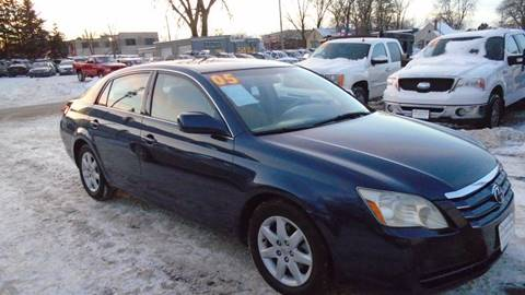 2005 Toyota Avalon for sale in Waterloo, IA