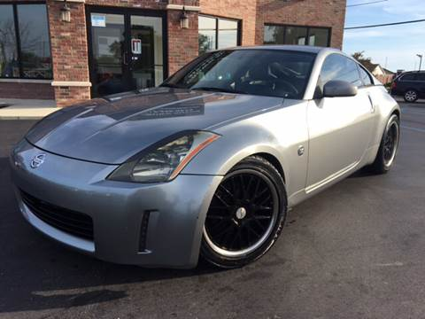 2005 Nissan 350Z for sale at Crown Autos in Indianapolis IN