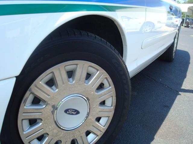 2004 Ford Crown Victoria In Milledgeville GA - Beckham's