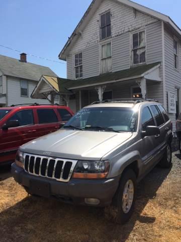 2001 Jeep Grand Cherokee for sale at Village Auto Center INC in Harrisonburg VA