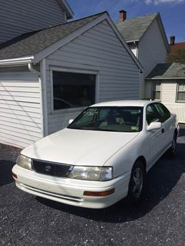 1997 Toyota Avalon for sale at Village Auto Center INC in Harrisonburg VA