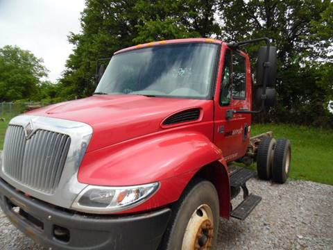 2004 International 4300 for sale in Lone Grove, OK