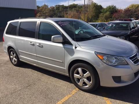 2011 Volkswagen Routan for sale in Rochester, MN