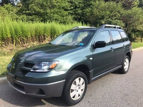 2004 Mitsubishi Outlander for sale in Baldwin Place, NY