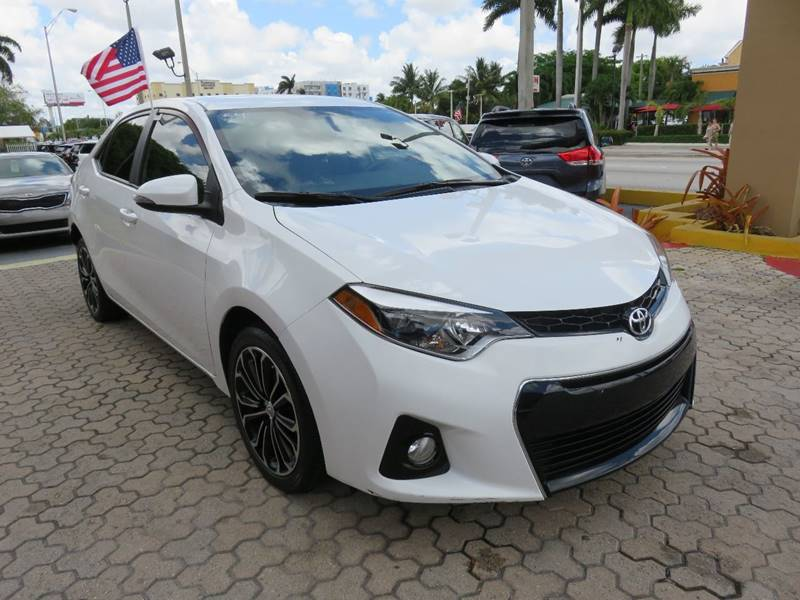 2015 TOYOTA COROLLA S PLUS 4DR SEDAN CVT white door handle color - body-color exhaust tip color