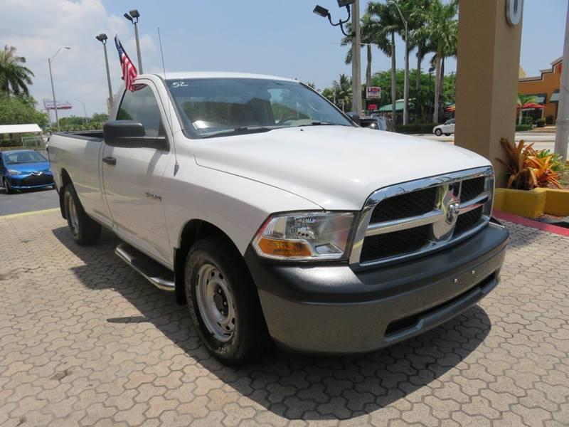 2010 DODGE RAM PICKUP 1500 ST 4X2 2DR REGULAR CAB 63 FT S white front bumper color - silver pi