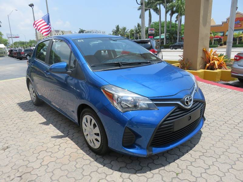 2015 TOYOTA YARIS 5 DOOR LE 4DR HATCHBACK blue door handle color - body-color front bumper color