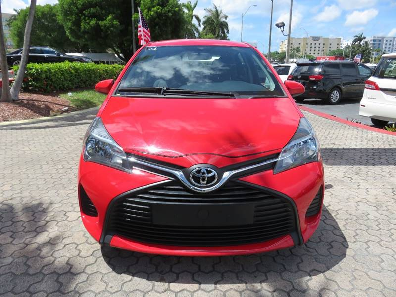 2015 TOYOTA YARIS 5 DOOR LE 4DR HATCHBACK red door handle color - body-color front bumper color