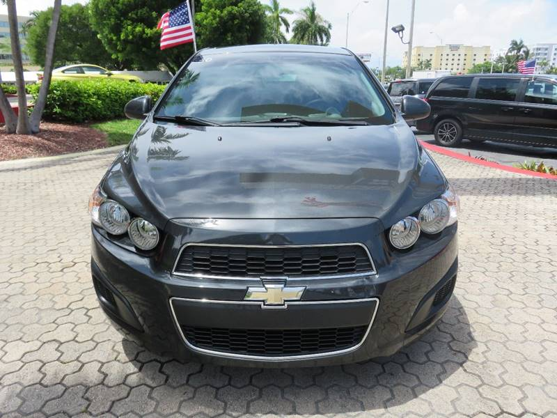 2015 CHEVROLET SONIC LT AUTO 4DR SEDAN gray door handle color - body-color exhaust tip color - s