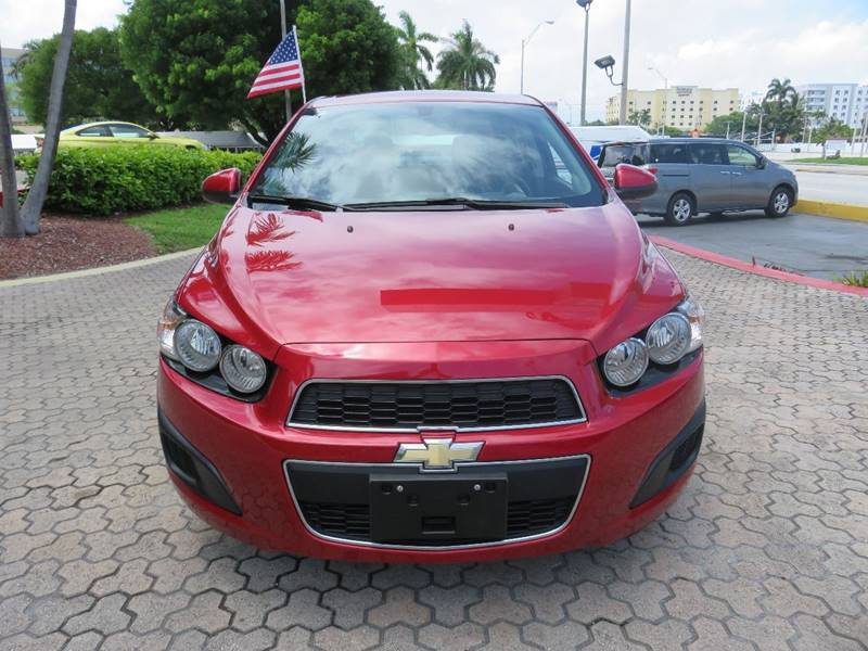 2015 CHEVROLET SONIC LT AUTO 4DR SEDAN red door handle color - body-color exhaust tip color - st