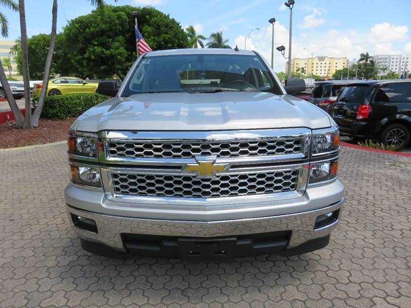 2014 CHEVROLET SILVERADO 1500 LT 4X2 4DR DOUBLE CAB 65 FT SB silver bumper detail - rear step