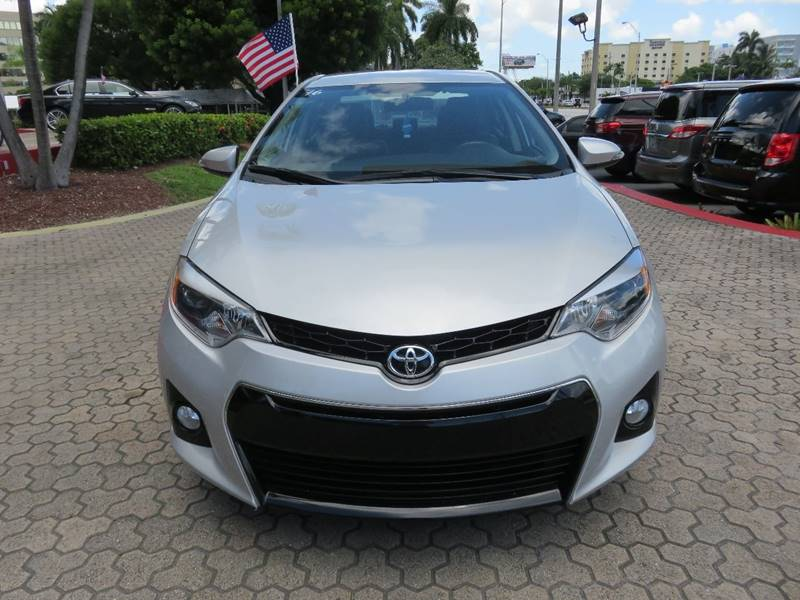 2016 TOYOTA COROLLA S 4DR SEDAN silver door handle color - body-color exhaust tip color - chrome