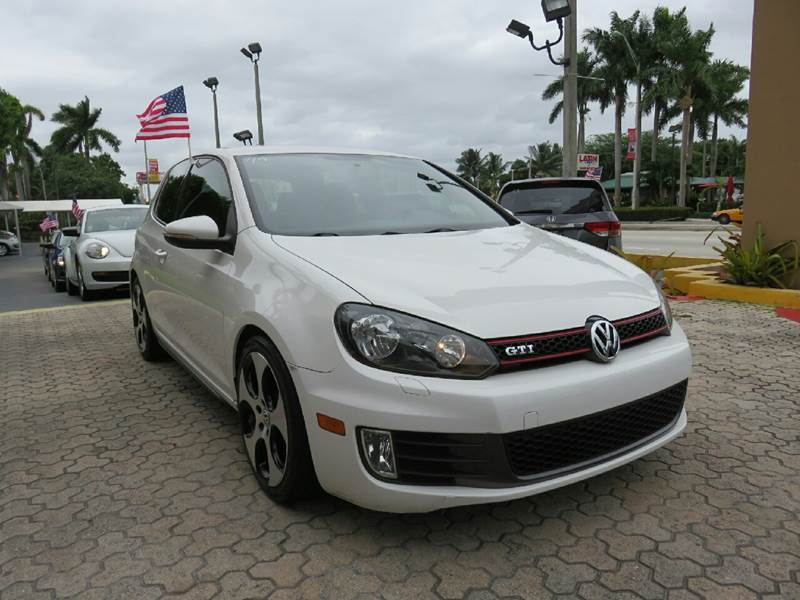 2013 VOLKSWAGEN GTI BASE 2DR HATCHBACK 6A white the showroom miami is a family owned first class