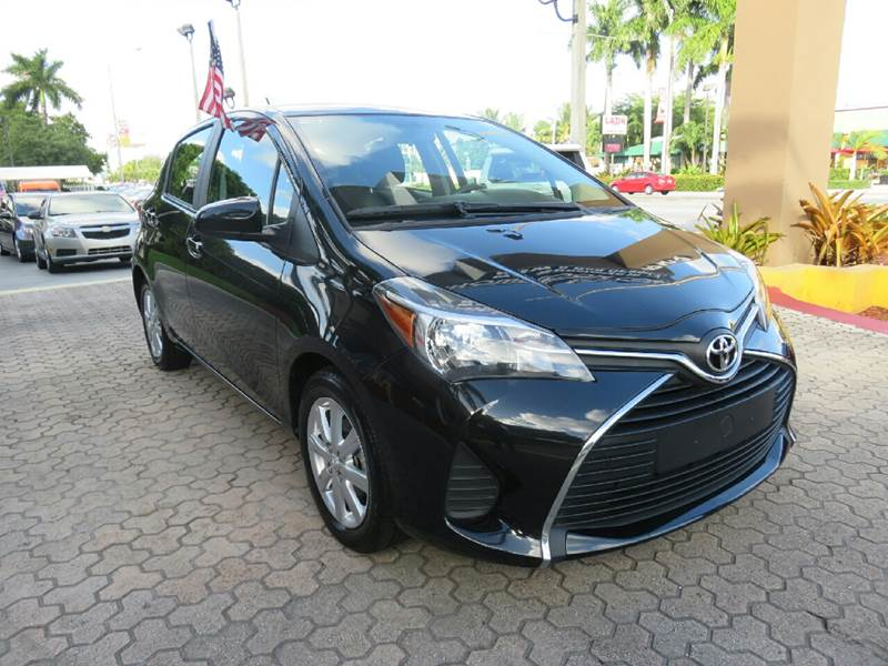 2015 TOYOTA YARIS 5-DOOR LE 4DR HATCHBACK black door handle color - body-color front bumper colo