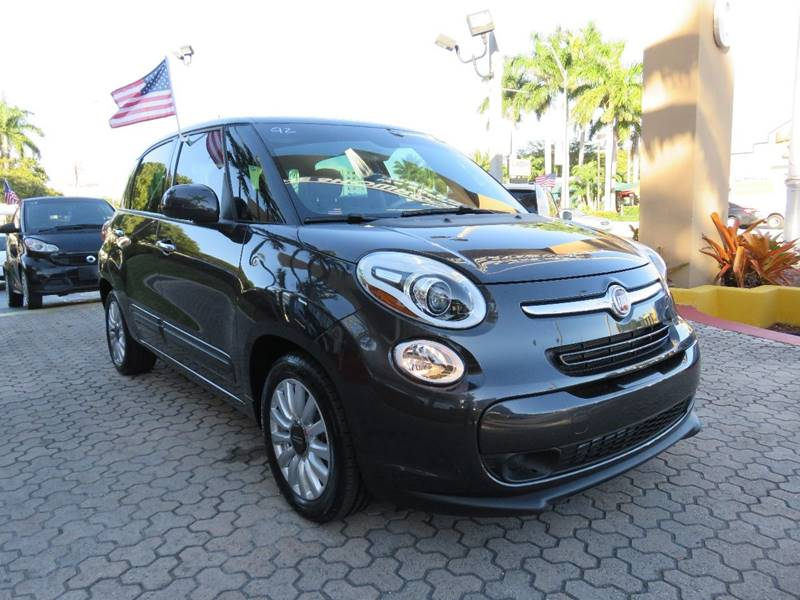 2014 FIAT 500L EASY 4DR HATCHBACK black body side moldings - body-color door handle color - chro