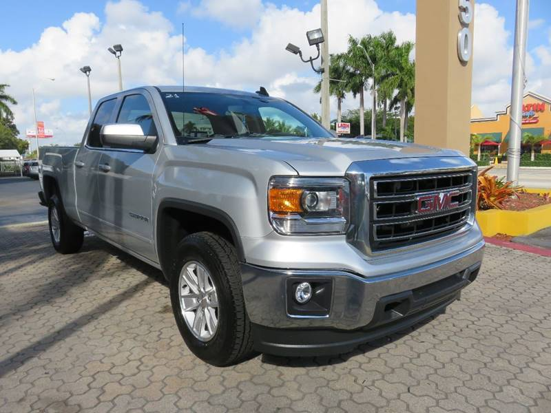 2015 GMC SIERRA 1500 SLE 4X2 4DR DOUBLE CAB 65 FT S silver bumper detail - rear step pickup bed