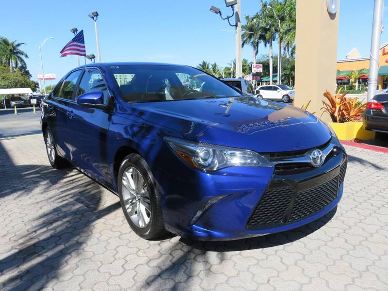 2015 TOYOTA CAMRY SE 4DR SEDAN blue headlight bezel color - black door handle color - body-color