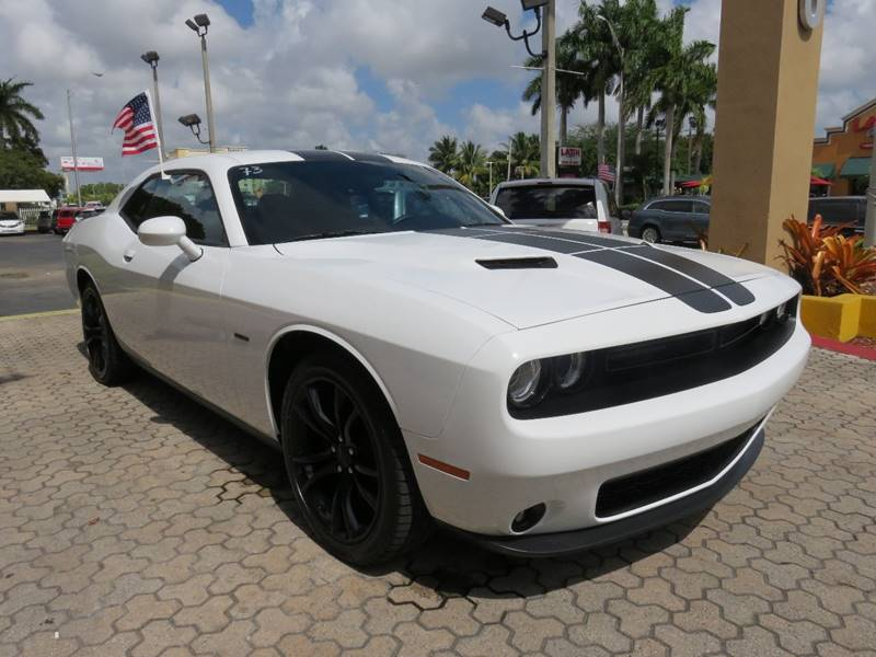 2016 DODGE CHALLENGER RT 2DR COUPE white exhaust - dual tip door handle color - body-color exh