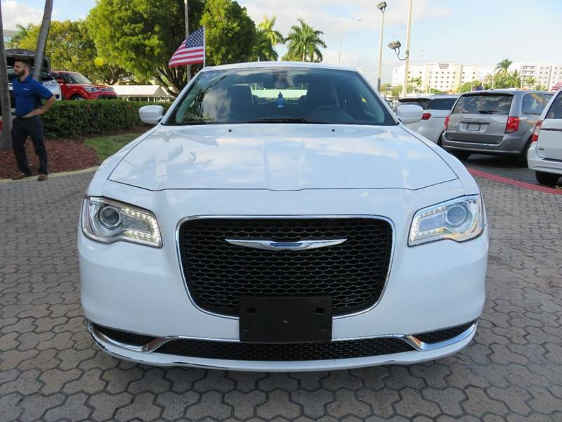 2015 CHRYSLER 300 LIMITED 4DR SEDAN white exhaust - dual tip door handle color - body-color exh