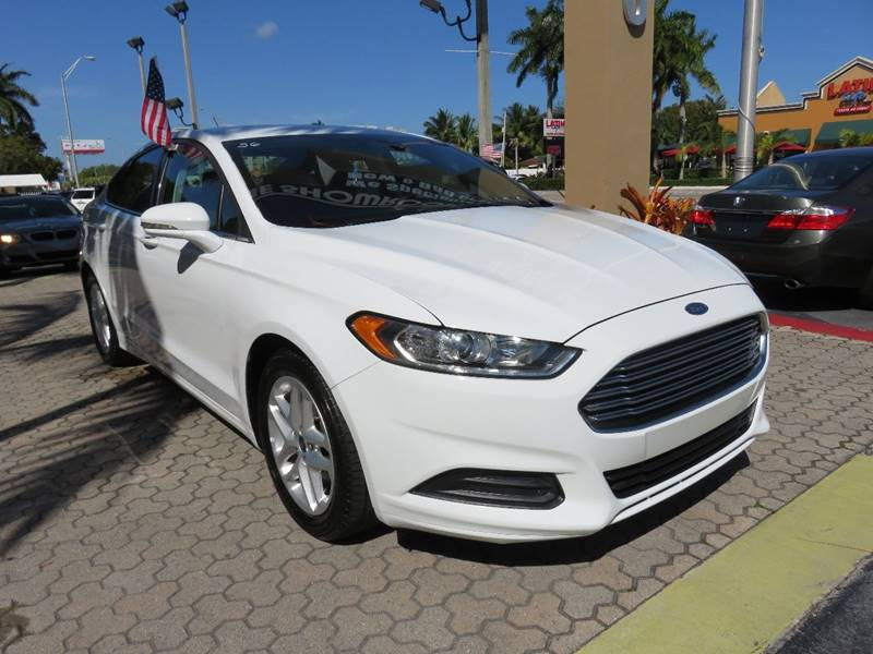 2016 FORD FUSION SE 4DR SEDAN white door handle color - body-color exhaust tip color - chrome f