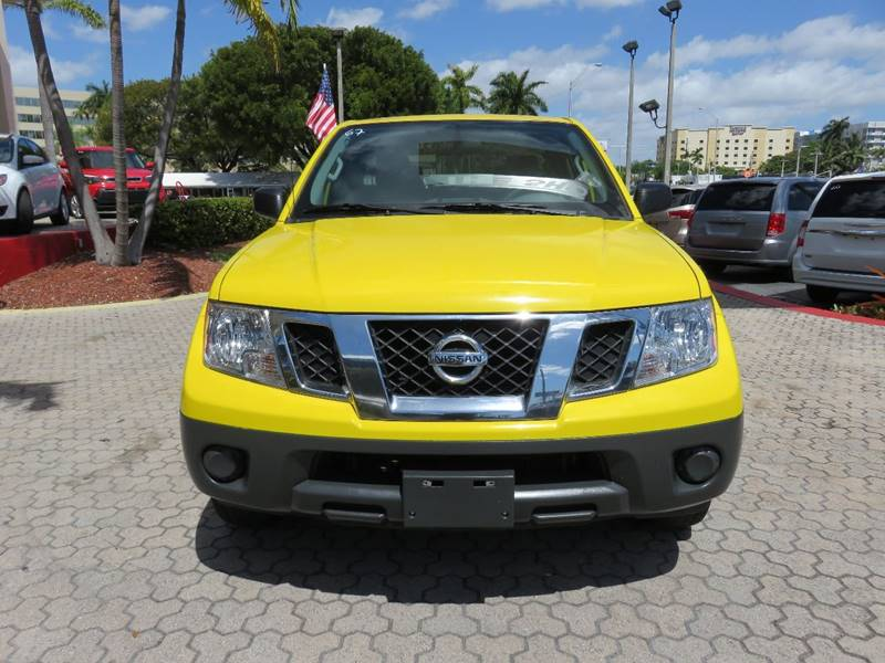 2014 NISSAN FRONTIER S 4X2 4DR KING CAB 61 FT SB PI yellow pickup bed light door handle color