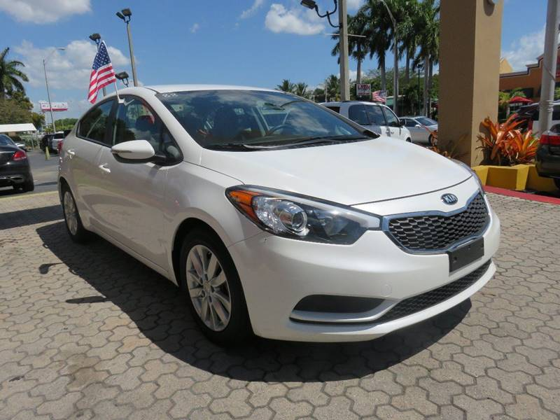 2015 KIA FORTE LX 4DR SEDAN 6A white door handle color - body-color front bumper color - body-co