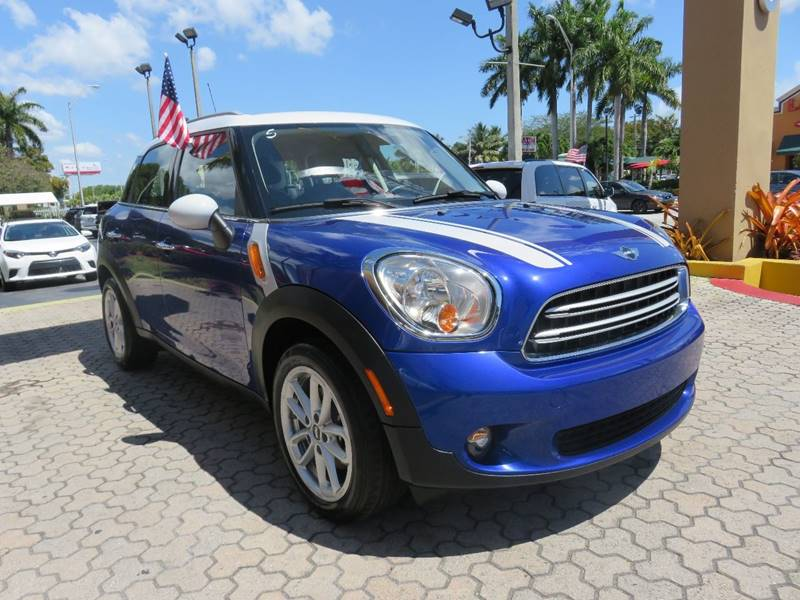 2016 MINI COUNTRYMAN COOPER 4DR CROSSOVER blue door handle color - chrome exhaust tip color - ch