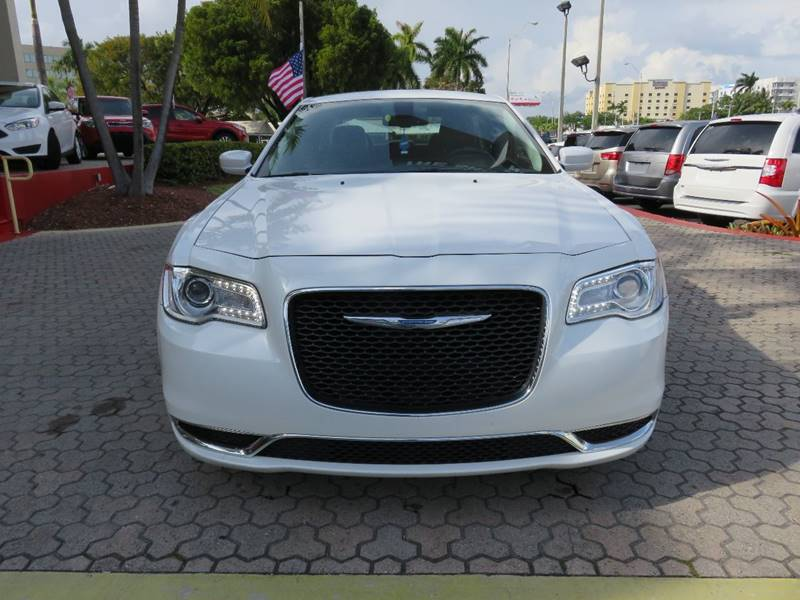 2015 CHRYSLER 300 LIMITED 4DR SEDAN white 2-stage unlocking doors abs - 4-wheel active head res