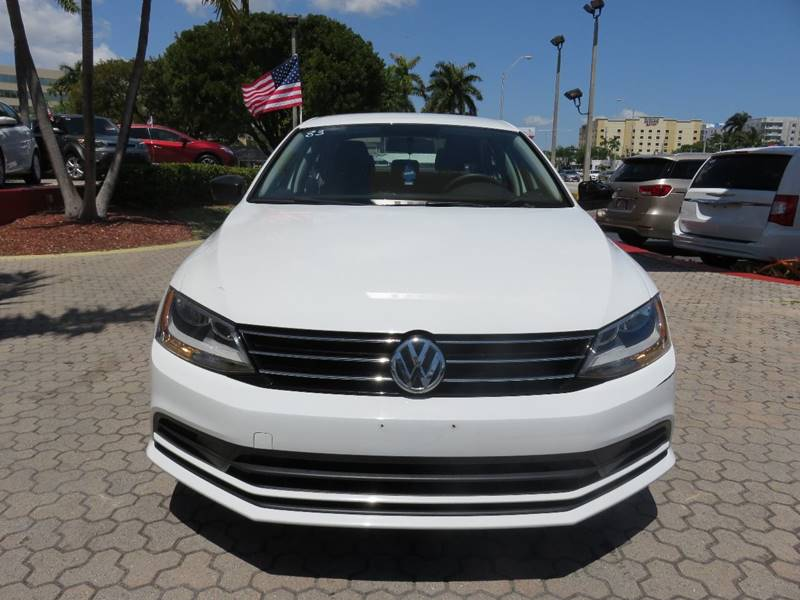 2015 VOLKSWAGEN JETTA S 4DR SEDAN 6A white door handle color - black front bumper color - body-c
