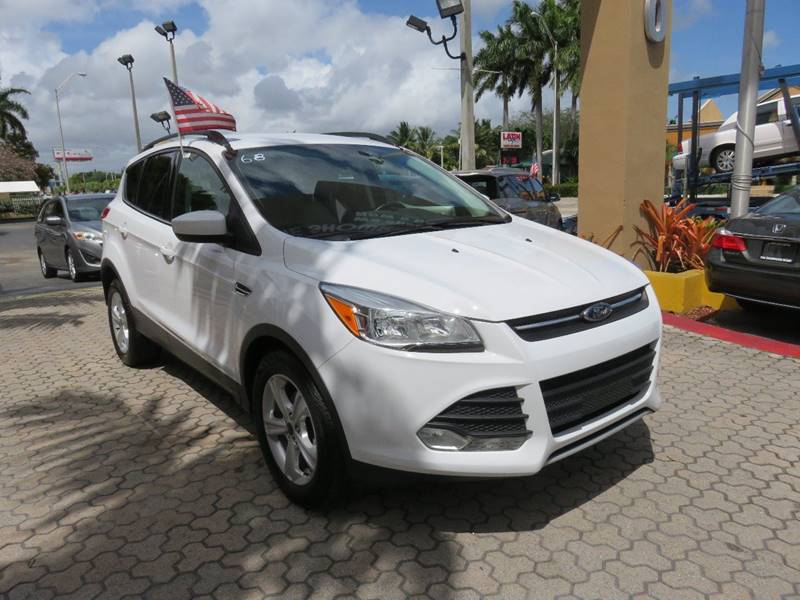 2014 FORD ESCAPE SE 4DR SUV white exhaust - dual tip rear spoiler - roofline door handle color