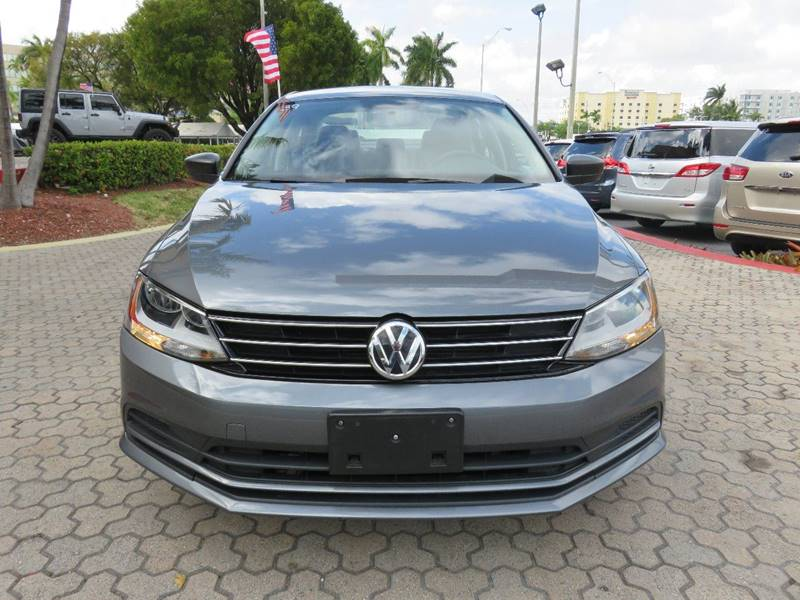 2015 VOLKSWAGEN JETTA S 4DR SEDAN 6A gray door handle color - black front bumper color - body-co