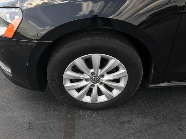 2013 Volkswagen Passat S 4dr Sedan 6A w/ Appearance - Columbus OH