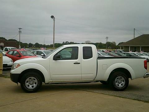 2015 Nissan Frontier for sale in Covington, TN