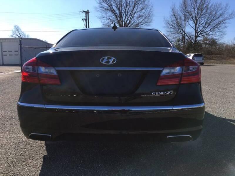 2013 Hyundai Genesis 3.8L (image 7)