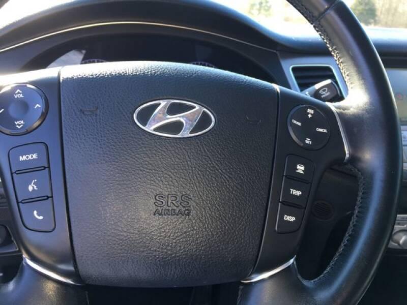 2013 Hyundai Genesis 3.8L (image 20)