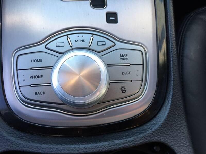 2013 Hyundai Genesis 3.8L (image 16)