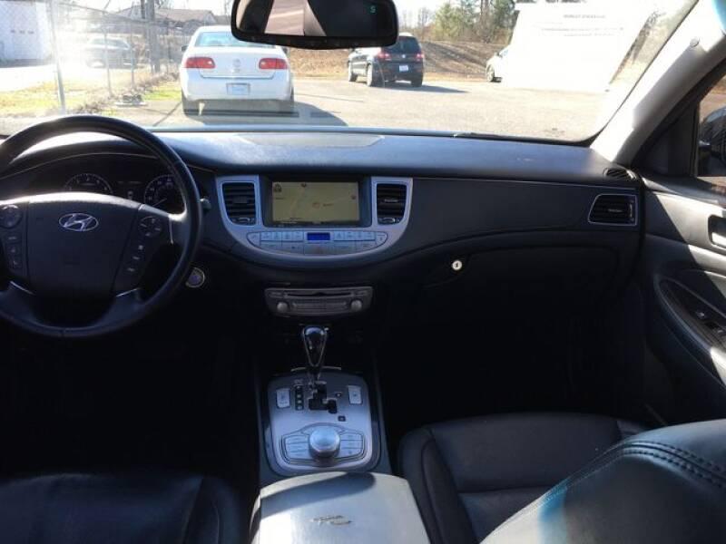 2013 Hyundai Genesis 3.8L (image 10)