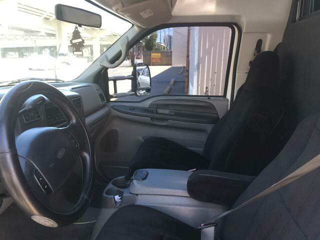 2002 Ford F-550 bus - Metairie LA