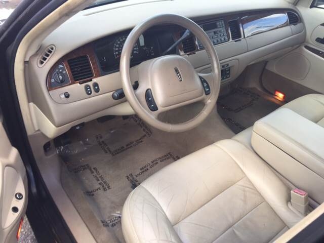 2002 Lincoln Town Car Executive 4dr Sedan - Metairie LA