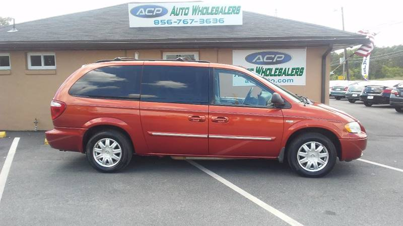 2006 Chrysler Town and Country Touring 4dr Extended Mini-Van - Berlin NJ