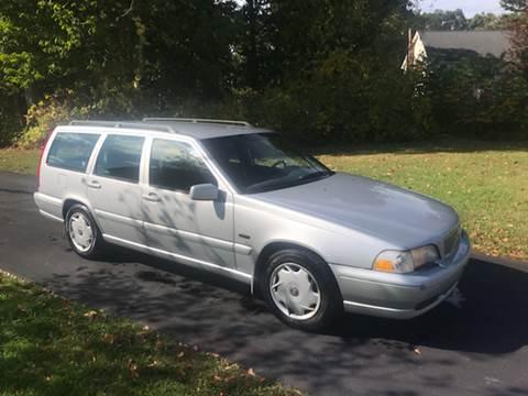 1998 Volvo V70 for sale in Central, CT